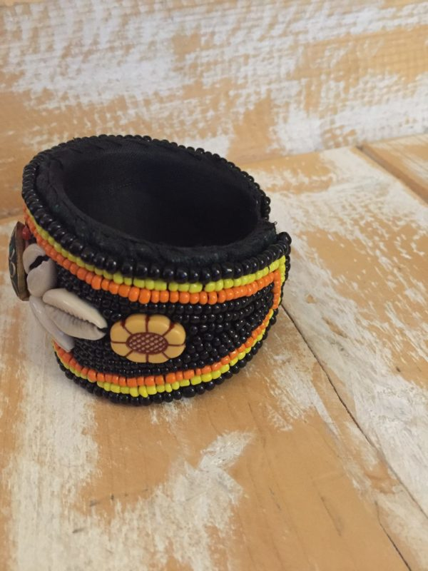 Handmade Ibiza armband zwart.