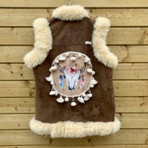 Afghaanse schapen gilet met Buffalo hoofd.