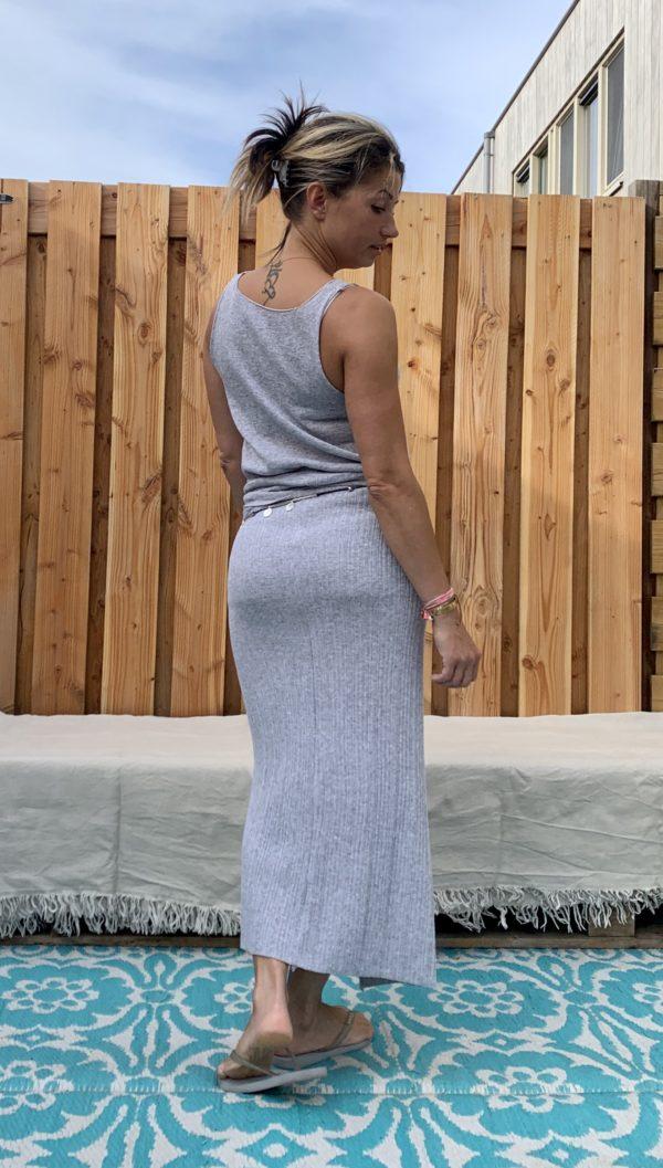 Gebreide wikkel rok met top -grijs kleur.