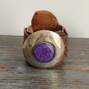 Marokkaanse Boho Riem Cognac met paarse steen