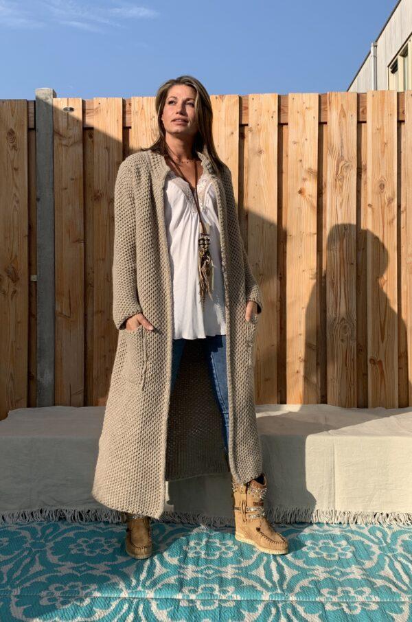 Martina Maxi grof gebreid vest camel kleur - one size.