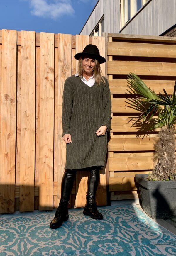Greta Trui/jurk met V-hals - leger groen - one size.