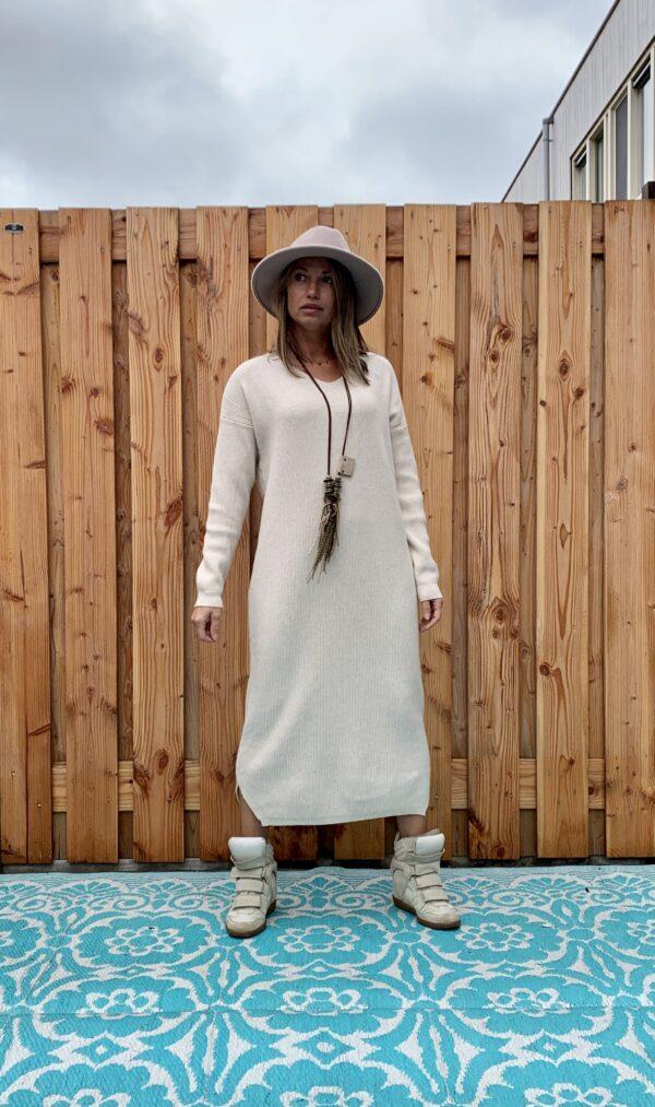 Sofia Maxi gebreid off White jurk – one size.