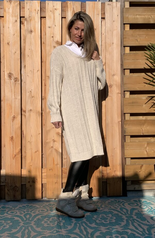 Greta Trui/jurk met V-hals - Off White kleur- one size.