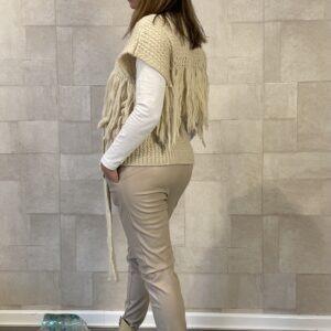 Mochy Gilet met franjes – off white – one size.