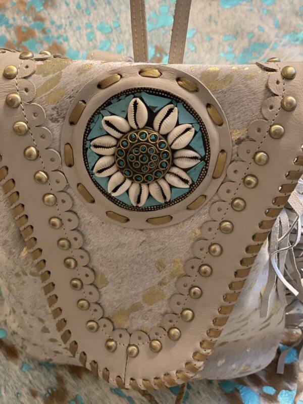 'Ibiza Stone' rugtas met wit-goud print.