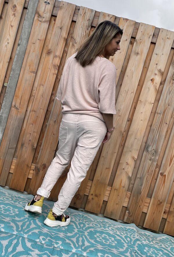 Adriana elastische baggy broek- Zacht rosé kleur - ONE SIZE.