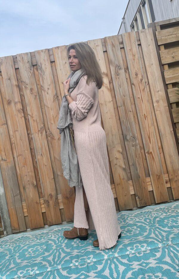 Alexandra Maxi gebreid jurk- poeder roze - one size.