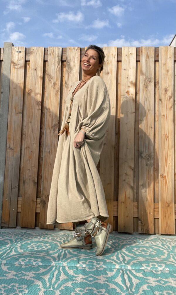Esmee Maxi Jurk -One size - Beige kleur.
