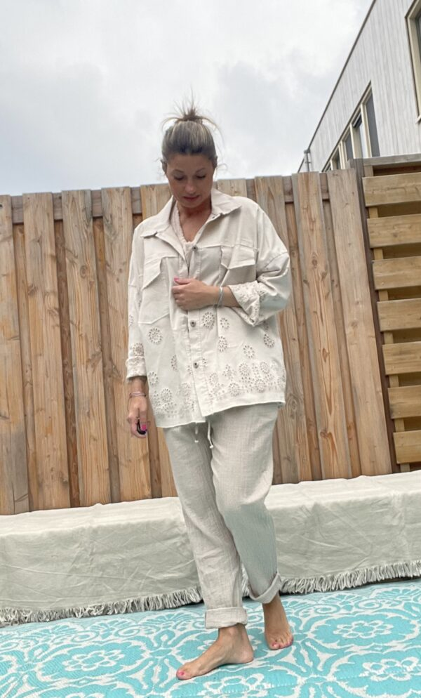 Amelia Blouse/Jacket beige Broderie- one size.
