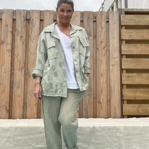 Zoe katoenen broek - Army Groen kleur.