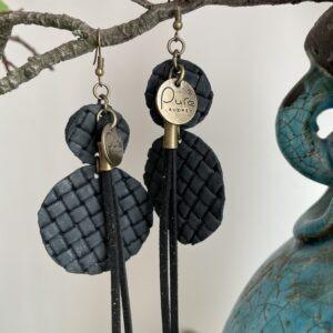 Oorbellen Yvet Zwart kleur.