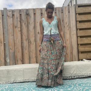 Gipsy boho Blauw kleur rok van JOT -met sierband.
